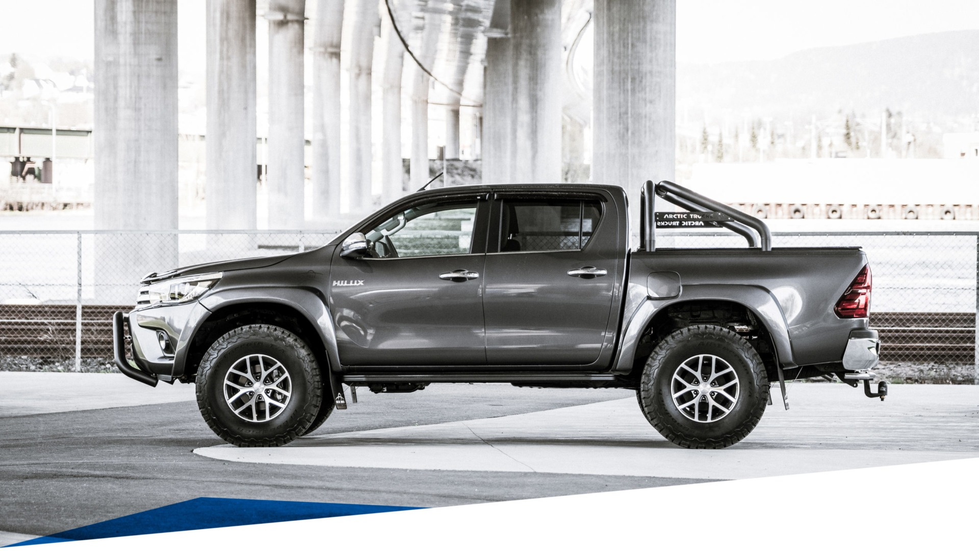 Toyota Hilux AT35